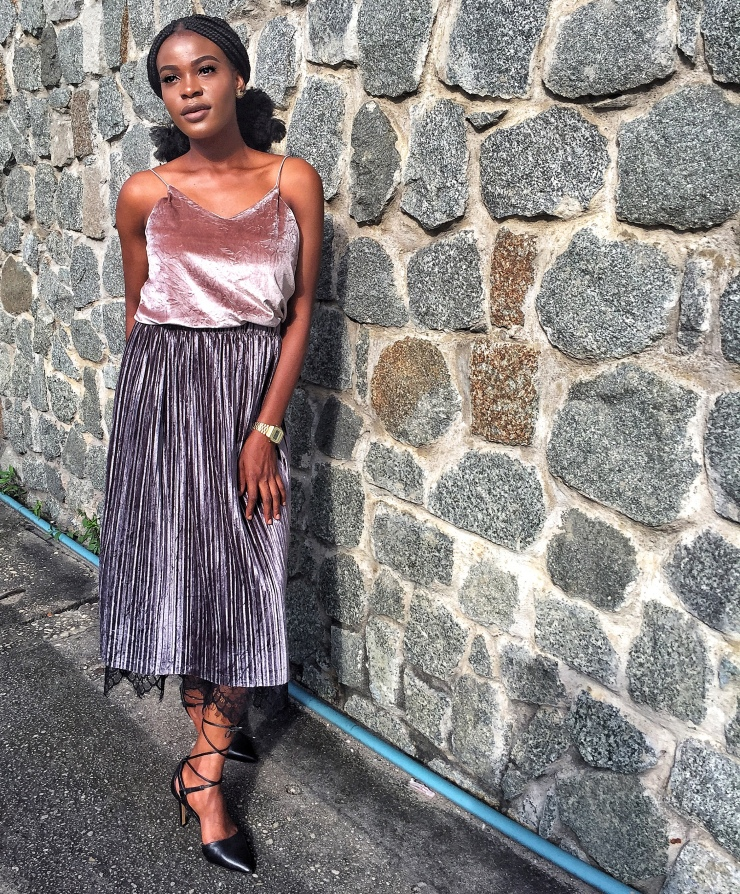 Tips to style a pleated skirt